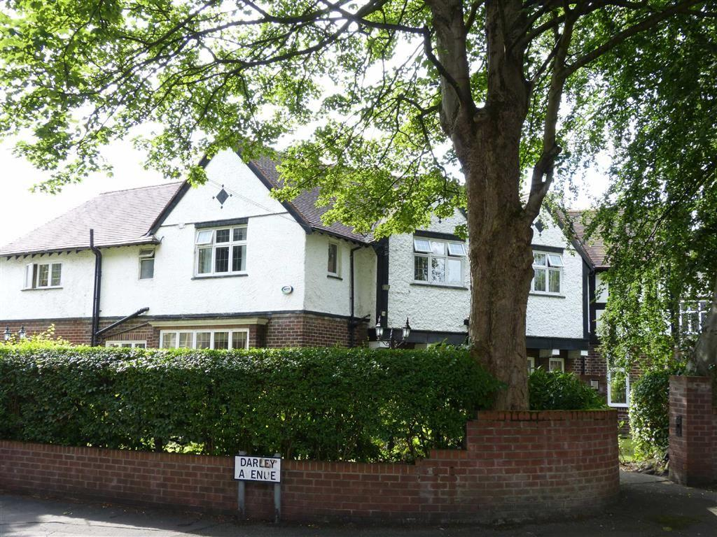 7 Bedrooms Detached House for sale in Manor Drive, Chorlton
