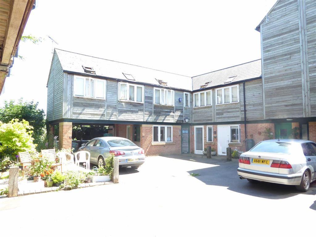 1 Bedroom Flat for sale in Heath Court, Hook Norton