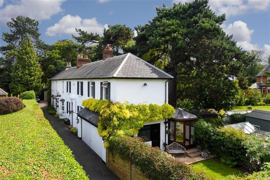 5 Bedrooms Semi Detached House for sale in Worple Road, Epsom, Surrey