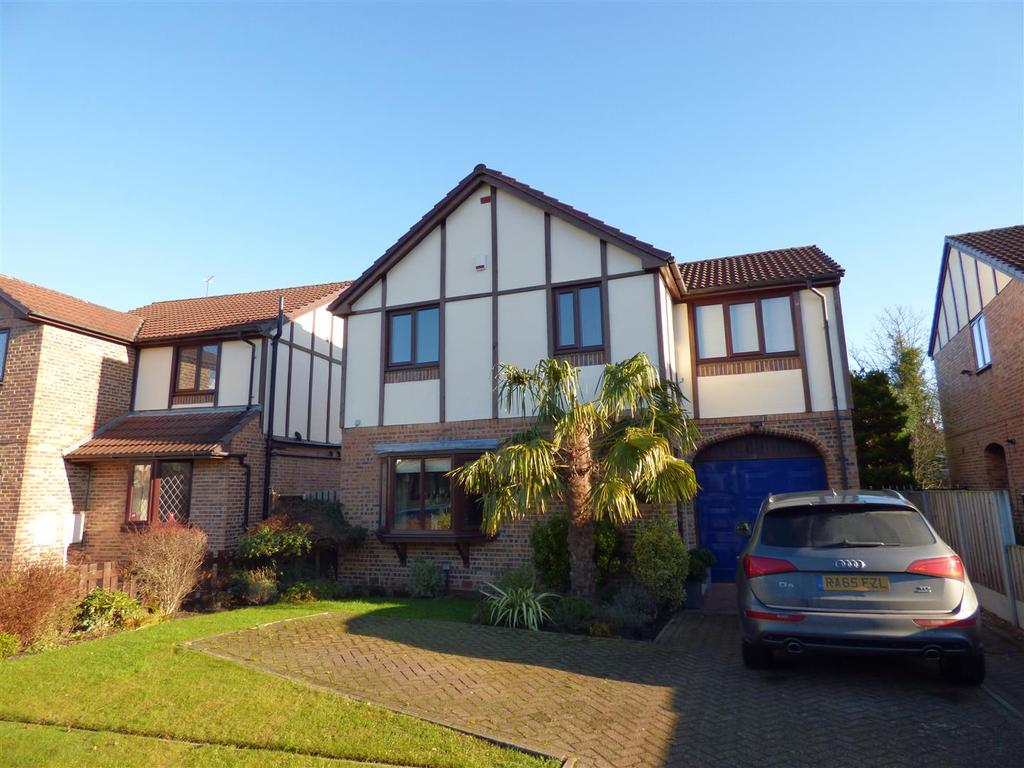4 Bedrooms Detached House for sale in Knowler Close, Liversedge