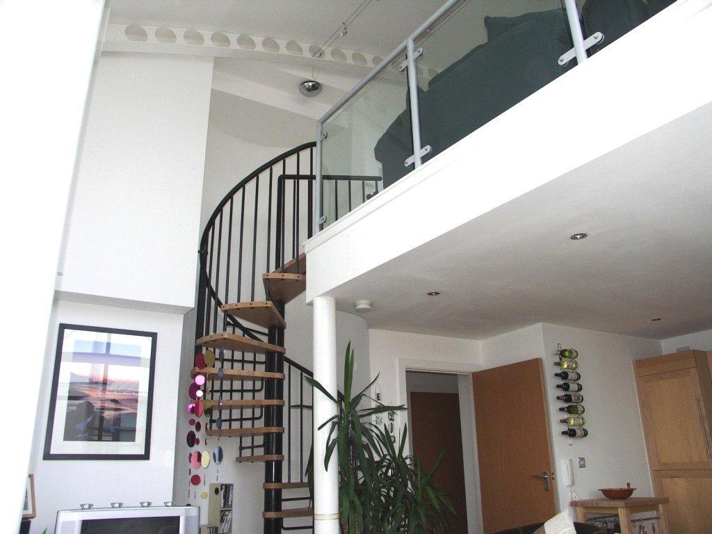 2 Bedrooms Flat for sale in Elba, City Island, Gotts Road, Leeds, West Yorkshire