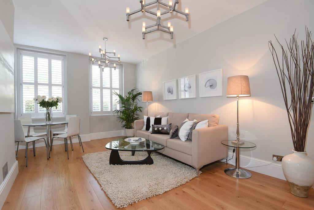3 Bedrooms Ground Flat for sale in Abbey Road, London. NW8