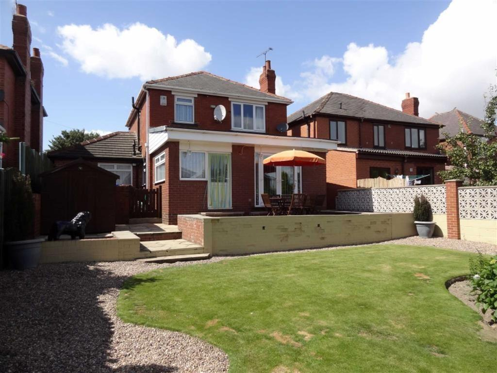 3 Bedrooms Detached House for sale in Pontefract Road, Barnsley, S71