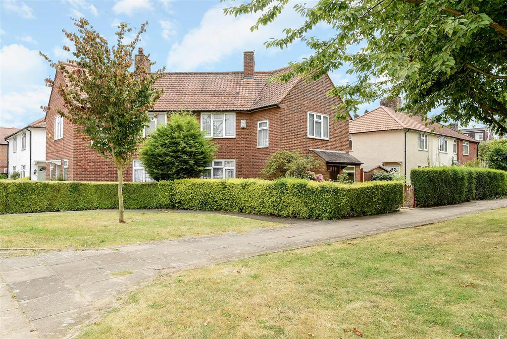 3 Bedrooms Semi Detached House for sale in Washington Road, Barnes, SW13