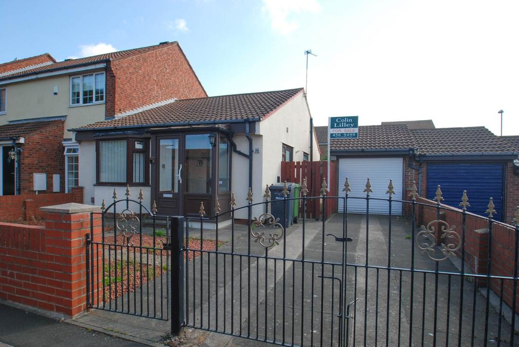 2 Bedrooms Bungalow for sale in Drake Close, South Shields