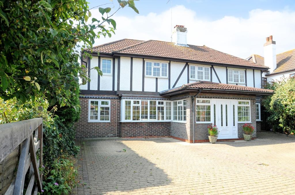 4 Bedrooms Detached House for sale in The Midway, Felpham, Bognor Regis, PO22