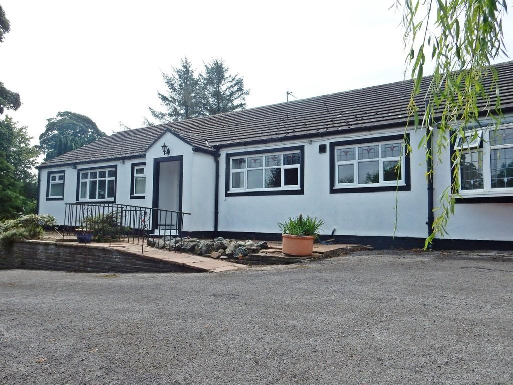 3 Bedrooms Detached Bungalow for sale in Fox Clease, Brisco, Carlisle
