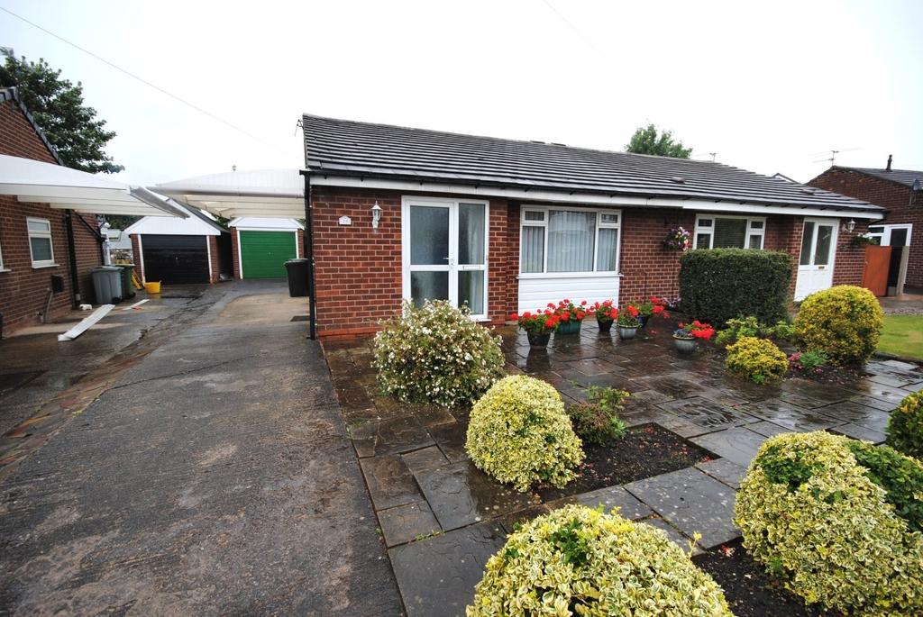 2 Bedrooms Semi Detached Bungalow for sale in Micawber Road, Poynton
