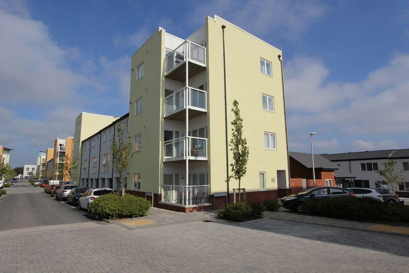2 Bedrooms Apartment Flat for sale in Pearse Close, Penarth