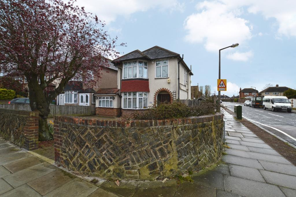 3 Bedrooms Detached House for sale in Green Lane New Eltham SE9