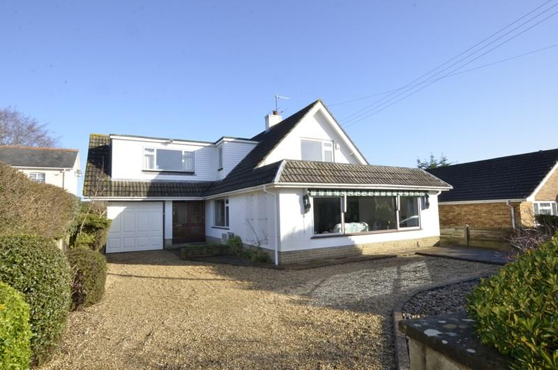4 Bedrooms Chalet House for sale in Pinehurst Road, West Moors, Ferndown