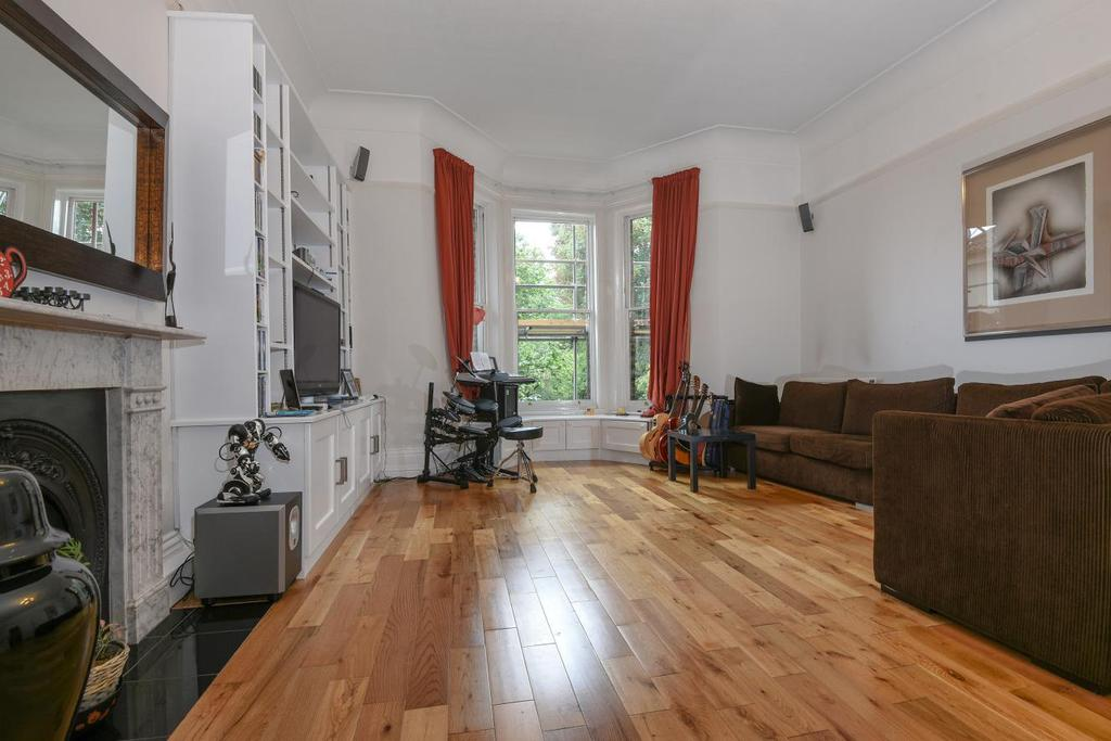 3 Bedrooms Flat for sale in Kidbrooke Park Road, Blackheath