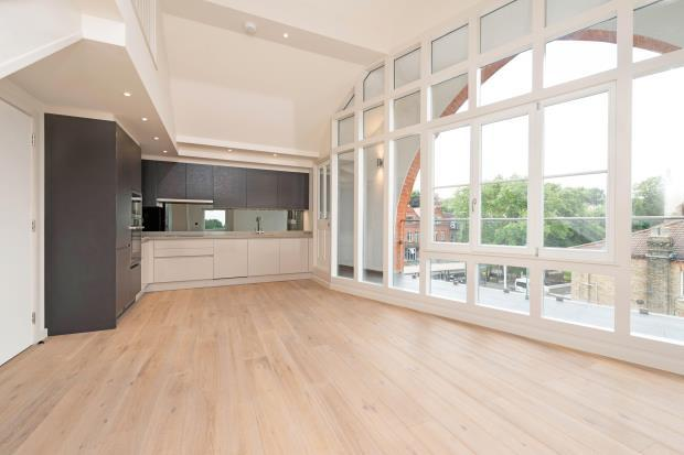 1 Bedroom Flat for sale in Archway Road, Highgate, London, N6