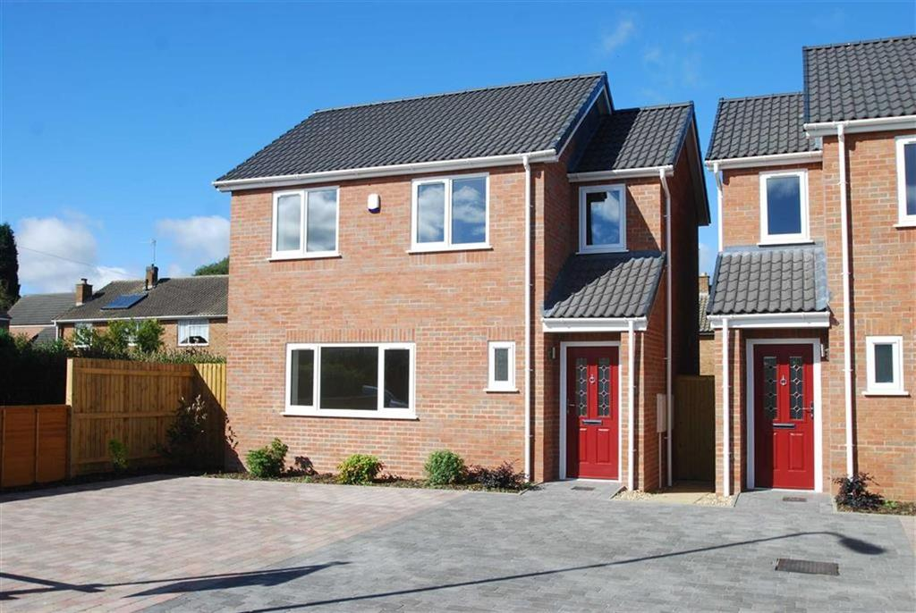 3 Bedrooms Detached House for sale in Poplars Road, Handsacre, Staffordshire
