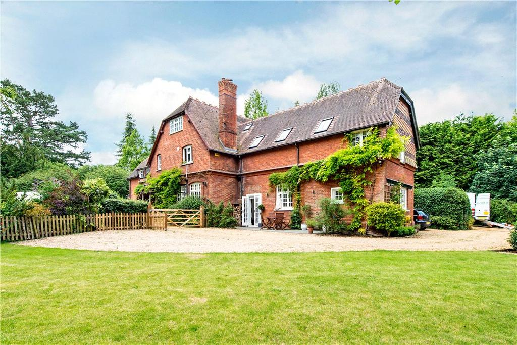 3 Bedrooms Semi Detached House for sale in Mentmore, Leighton Buzzard, Buckinghamshire, LU7