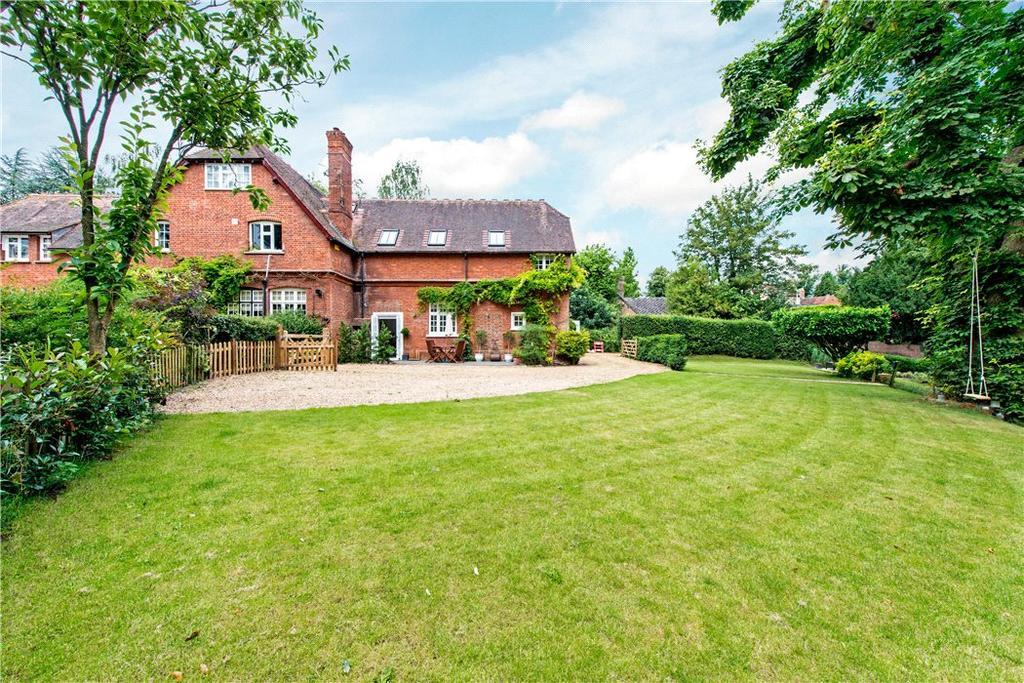 3 Bedrooms Semi Detached House for sale in Mentmore, Leighton Buzzard, Buckinghamshire, LU7