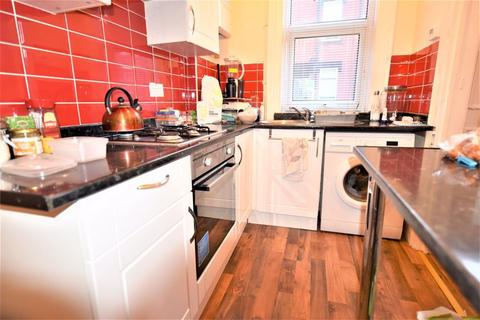 2 bedroom house to rent - 12 Elizabeth Street
