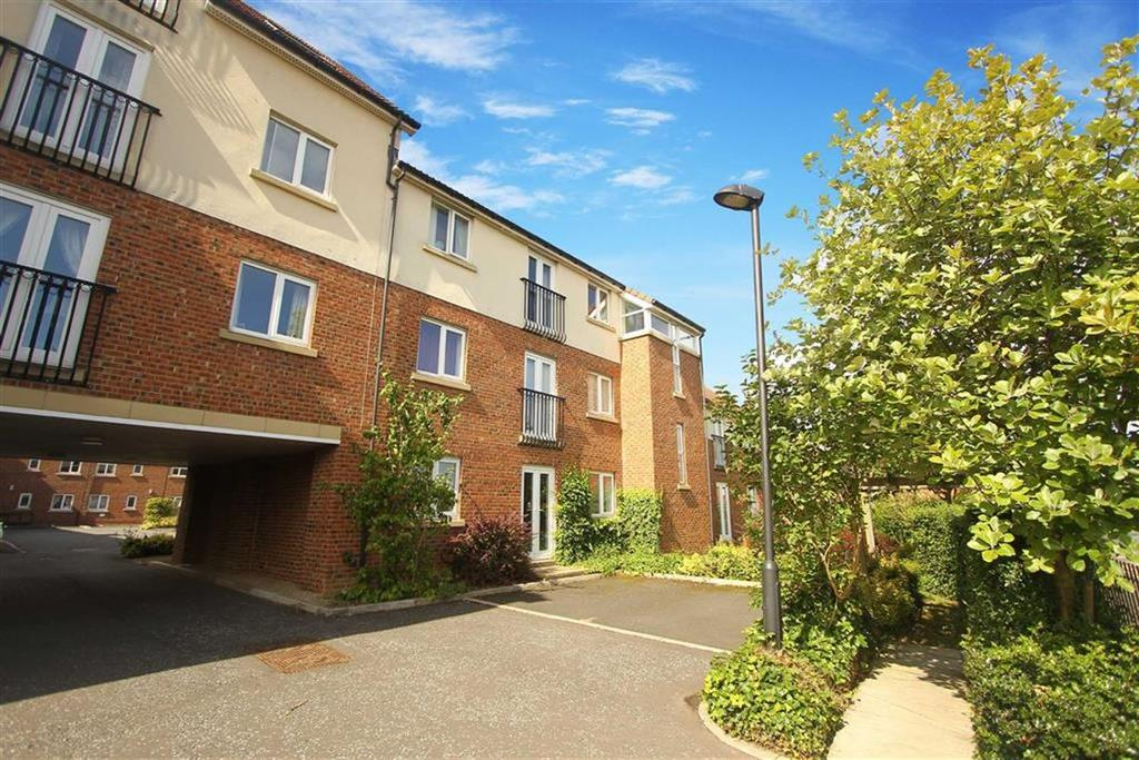 2 Bedrooms Flat for sale in Friars Rise, Whitley Bay, Tyne And Wear
