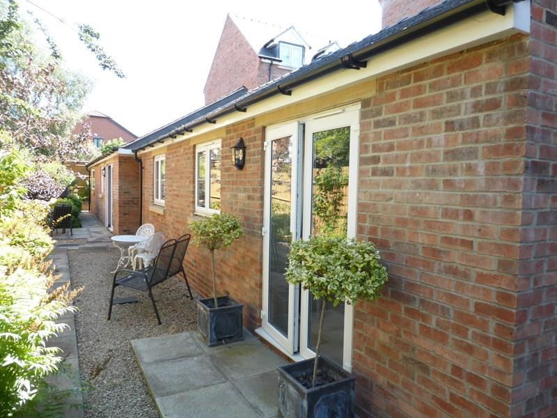 1 Bedroom Retirement Property for sale in Coopers Lane, Evesham