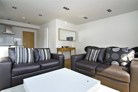 3 bedroom flat to rent - Skysail Building, 210 Poplar High Street, London, E14
