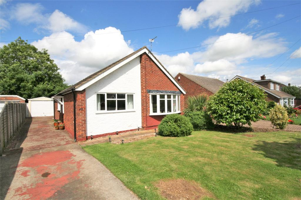 3 Bedrooms Detached Bungalow for sale in Langton Road, Holton Le Clay, DN36