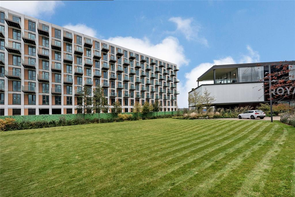 3 Bedrooms Flat for sale in Endeavour House, Royal Wharf, Silvertown, London