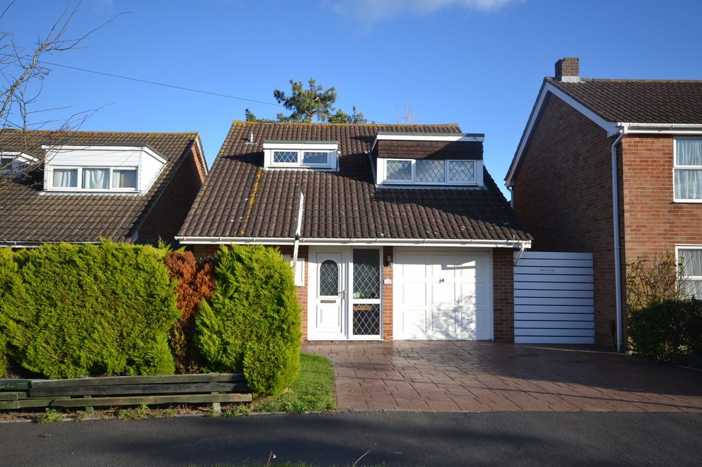 3 Bedrooms Detached House for sale in Itchenor Road, Hayling Island, PO11