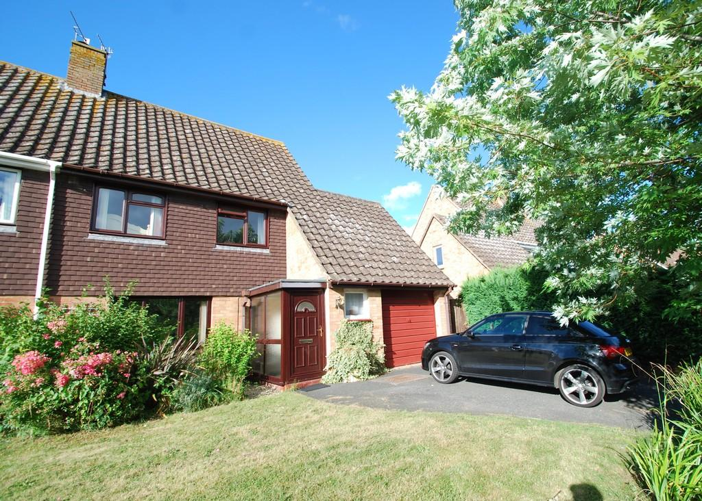 4 Bedrooms Semi Detached House for sale in The Drive, POWICK