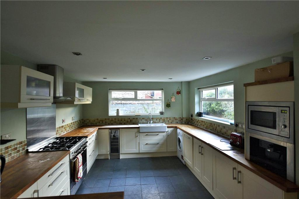 4 Bedrooms Semi Detached House for sale in Warbreck Moor, Aintree, Liverpool, L9