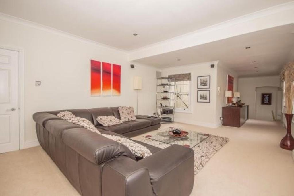 2 Bedrooms Apartment Flat for sale in Berkwell Hall, Meriden Road