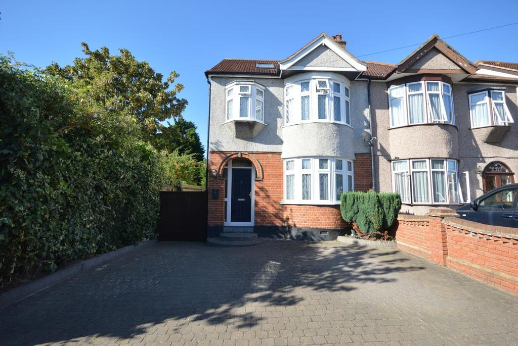5 Bedrooms Semi Detached House for sale in Devonshire Road, Hornchurch, Essex, RM12