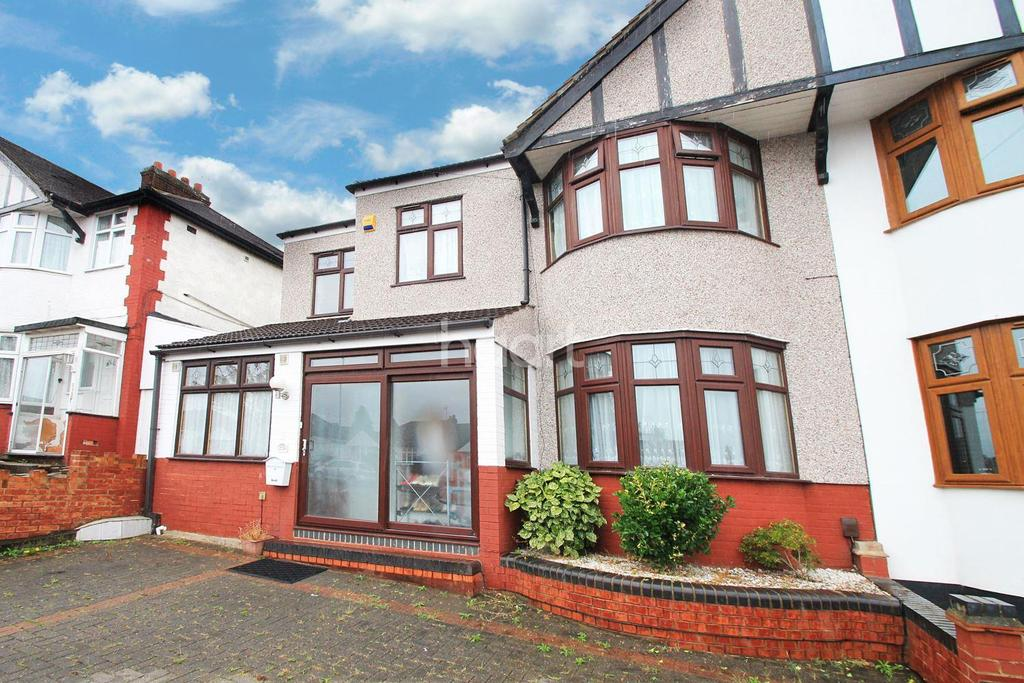 5 Bedrooms Semi Detached House for sale in Clayhall Avenue, Clayhall