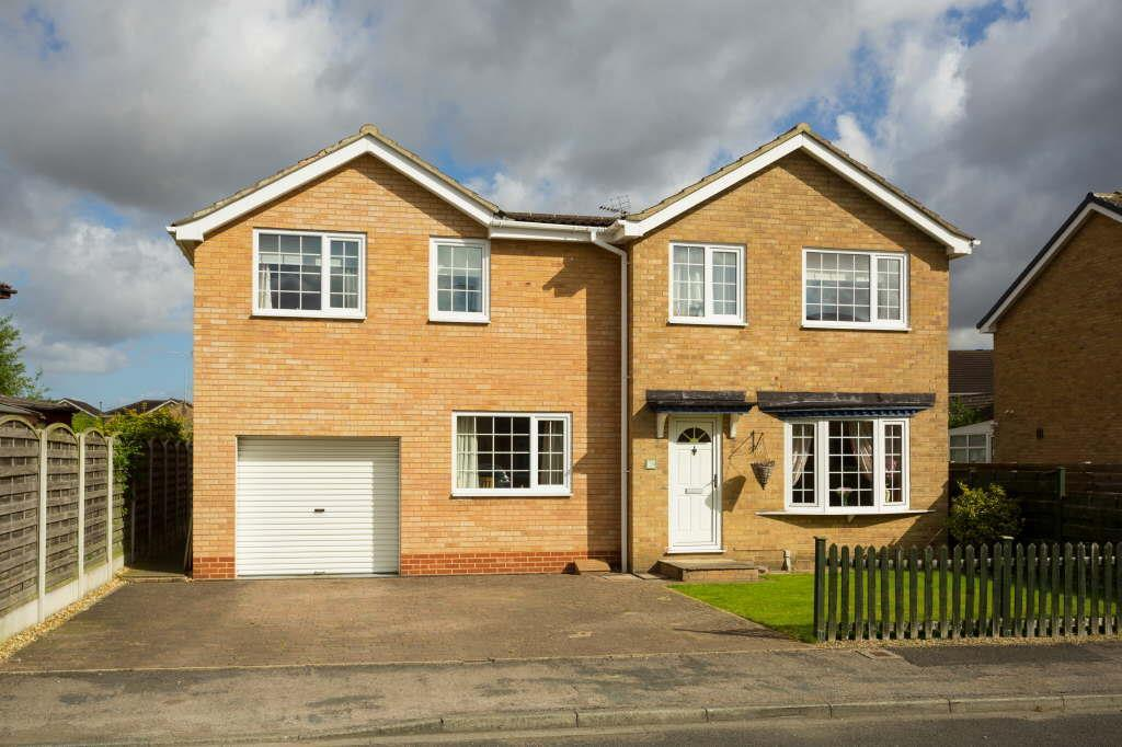 5 Bedrooms Detached House for sale in Forestgate, Haxby, York