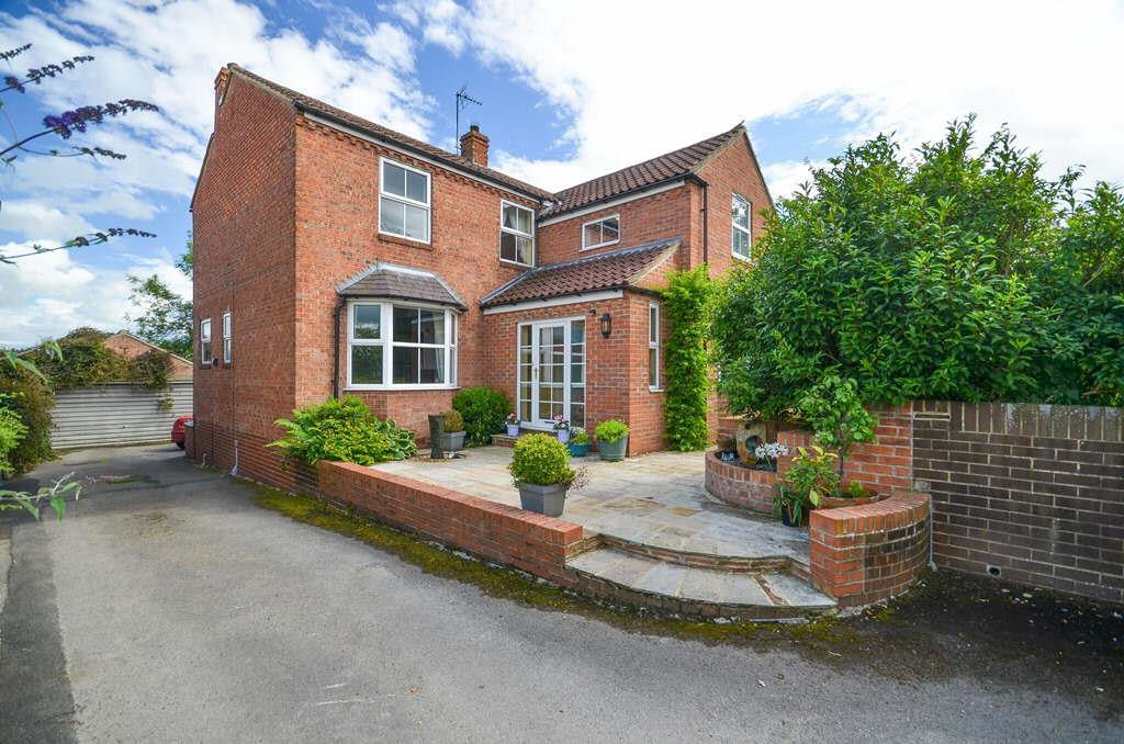 4 Bedrooms Detached House for sale in Keepers Close, Crayke, York