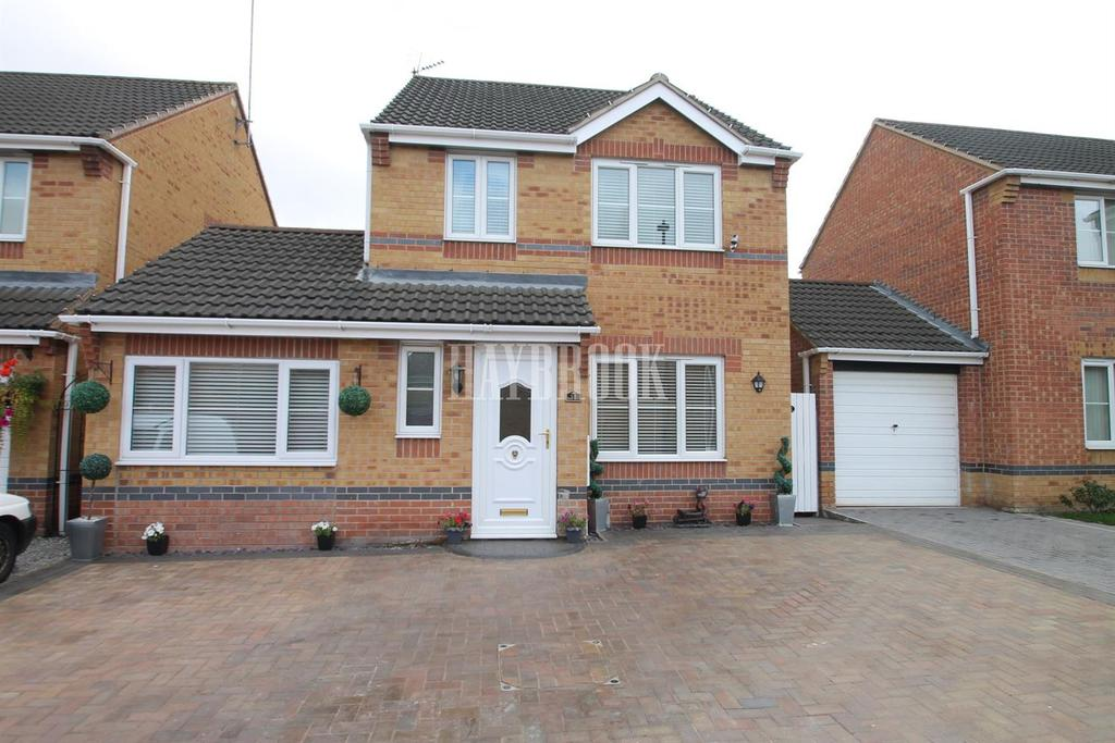 3 Bedrooms Detached House for sale in Swallow Crescent, Rawmarsh