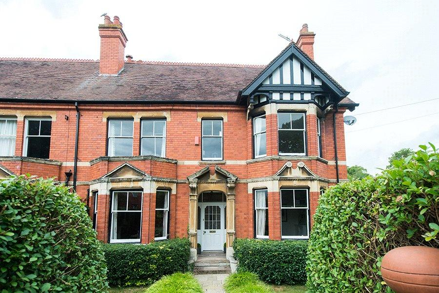 5 Bedrooms Semi Detached House for sale in Sabrina Terrace, Worcester, Worcestershire, WR1