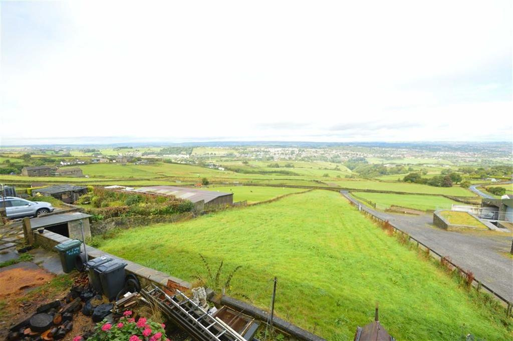 3 Bedrooms Terraced House for sale in Evelyn Terrace, Queensbury BD13, Mountain Queensbury Bradford