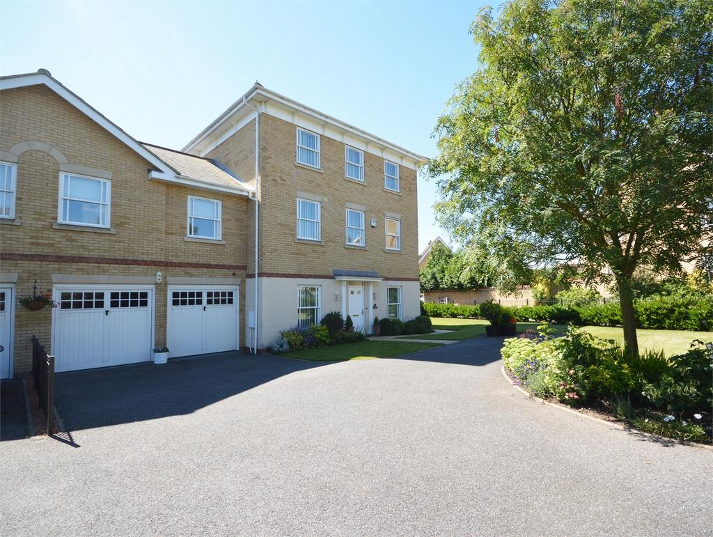 5 Bedrooms Link Detached House for sale in Baynard Avenue, Flitch Green, Dunmow
