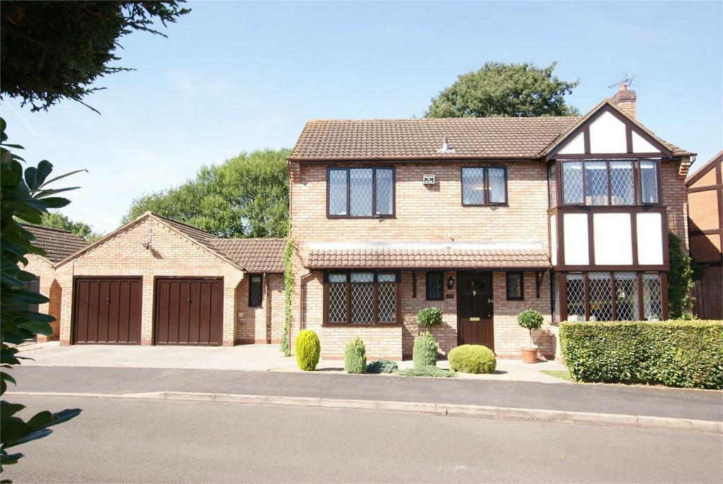 4 Bedrooms Detached House for sale in Griffin Road, Warwick