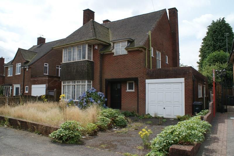 3 Bedrooms Detached House for sale in Kent Road, Birmingham, Halesowen