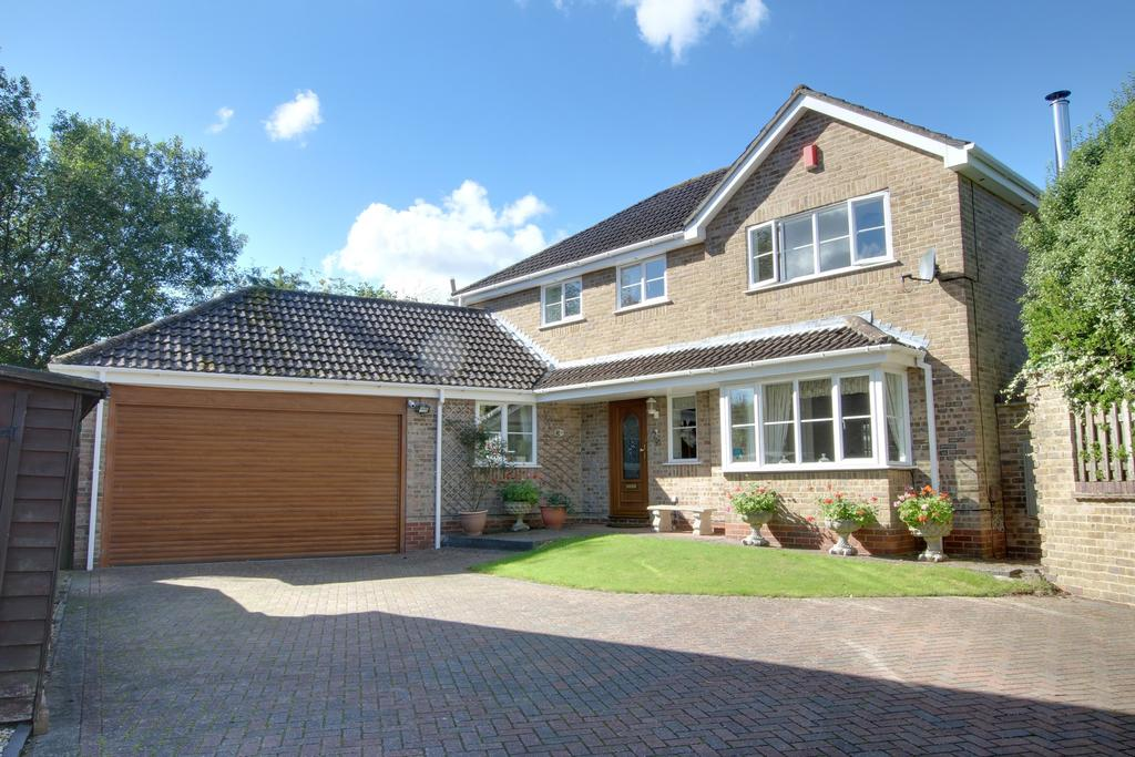 4 Bedrooms Detached House for sale in POND PIECE, DENMEAD