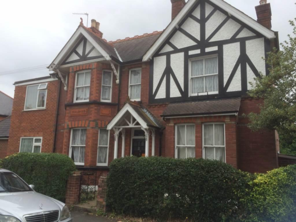 11 Bedrooms Detached House for sale in The Road, Egham, TW5