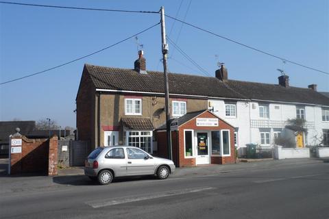 Studio to rent - London Road, Aylesbury