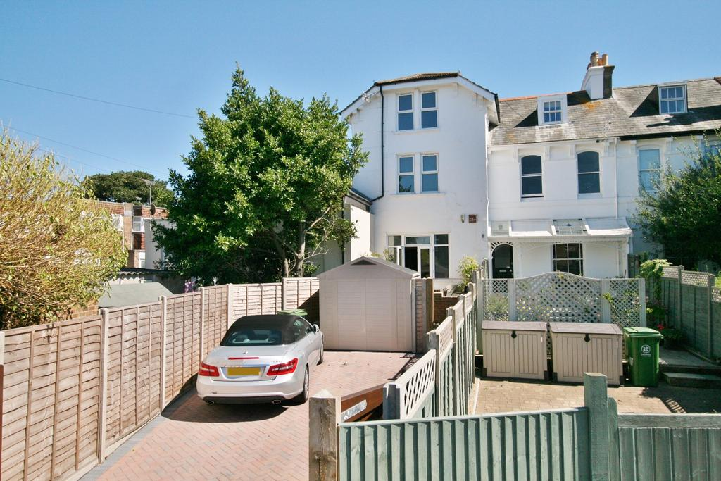 4 Bedrooms Terraced House for sale in Brandon Road, Southsea