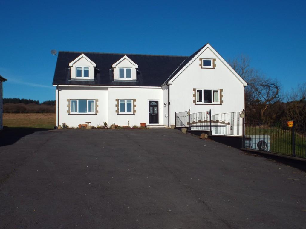 4 Bedrooms Detached House for sale in Llandeilo Road, Gorslas