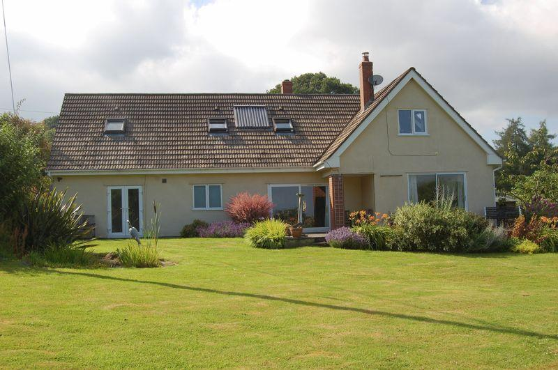 4 Bedrooms Detached House for sale in The Narth, Monmouth