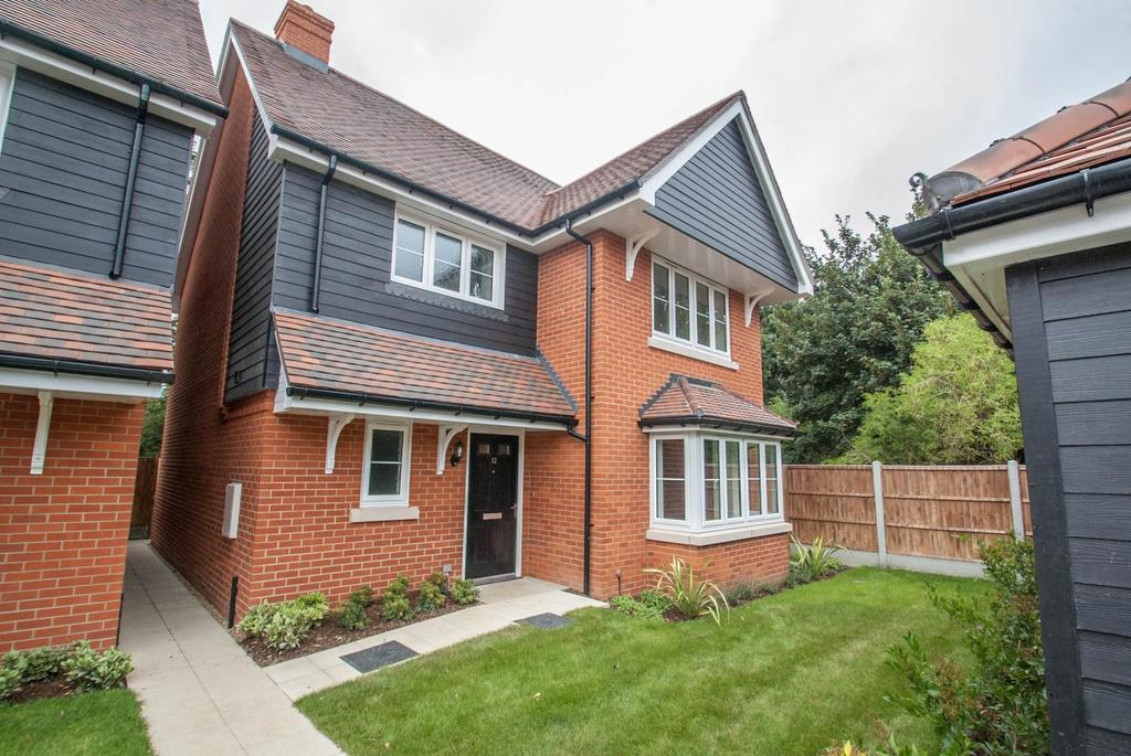 4 Bedrooms Detached House for sale in Brentwood, Essex, CM15