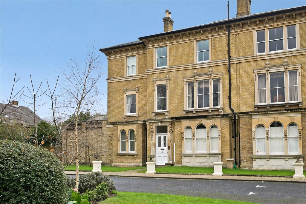 3 Bedrooms Flat for sale in 19 Copse Hill, Wimbledon, London, SW20