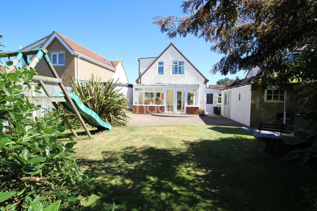 2 Bedrooms Detached House for sale in Kirby Cross