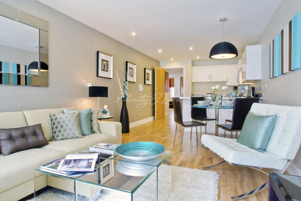 1 Bedroom Flat for sale in The Green in Camberwell, SE5
